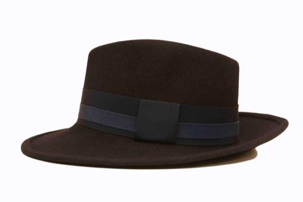 Création de chapeaux personnalisés